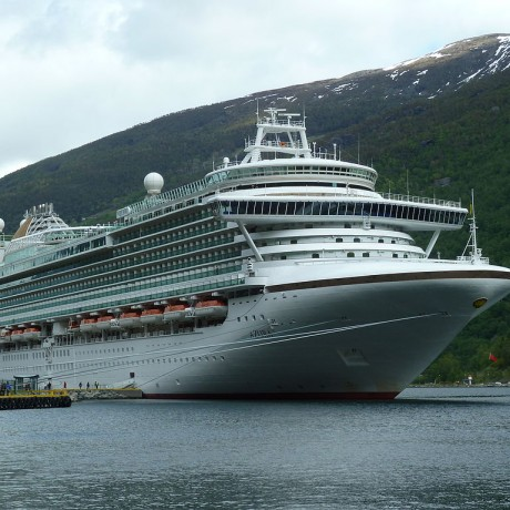 Azura_docked_in_Flaam,_Norway