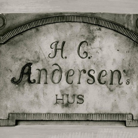Sign_of_Hans_Christian_Andersens_House