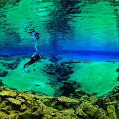 冰岛丝浮拉浮潜www (4)